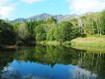 鳥甲山(とりかぶとやま)と天池(あまいけ)