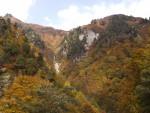 秋山林道の紅葉風景